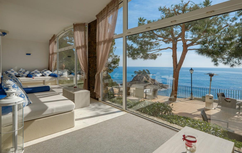 Golf-expedition-golfreizen-golfresort-Spanje-Regio-Ginora-silken-park-hotel-san-jorge-lounge