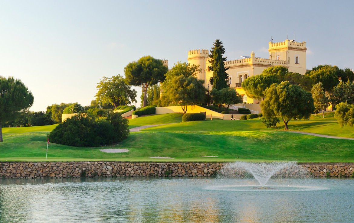 Golf-expedition-golfreizen-golfresort-Spanje-Regio-huelva-barcelo-montecastillo-golf-resort-Vista-Lago-Castillo