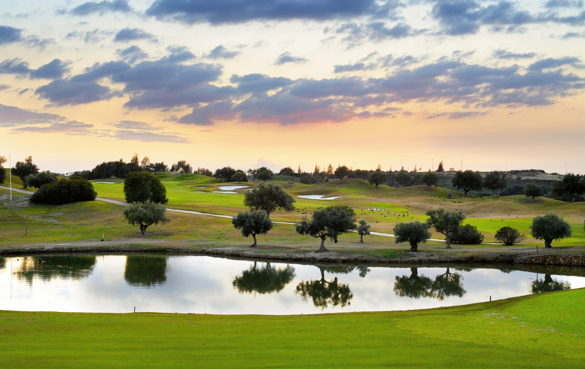 Golf-expedition-golfreizen-golfresort-Spanje-Regio-huelva-barcelo-montecastillo-golf-resort-campo-de-golf-lago