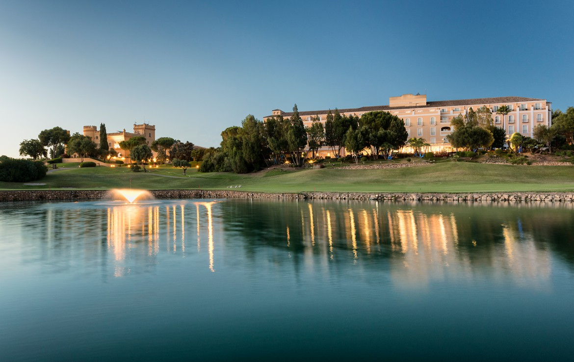 Golf-expedition-golfreizen-golfresort-Spanje-Regio-huelva-barcelo-montecastillo-golf-resort-lake-overview