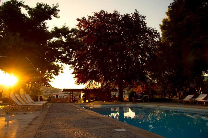 Golf-expedition-golfreizen-golfresort-casa-de-calcada-pool-view-with-sunset