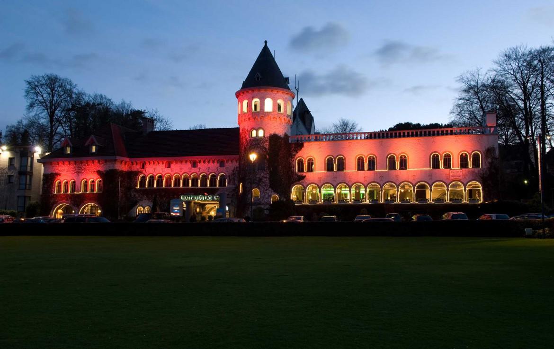 Golf-reizen-Golf-Expedition-België-Regio-Brussel-Martins-Chateau-du-Lac-hotel-at-night