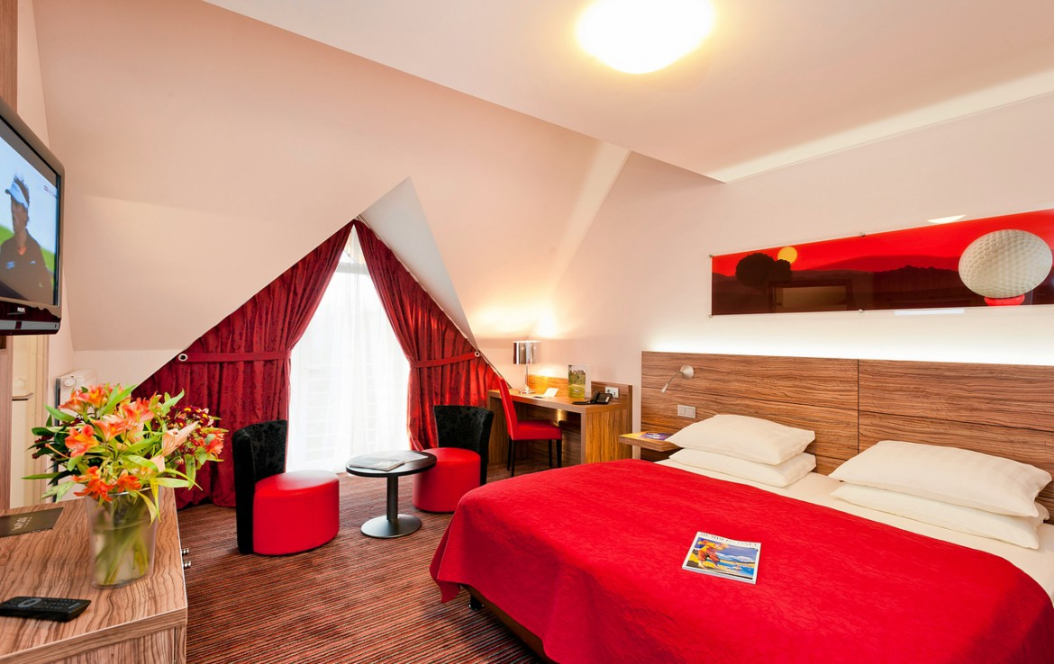 Golf-reizen-Golf-Expedition-België-Regio-Luik-Golf-&-country-hotel-Clervaux-bedroom