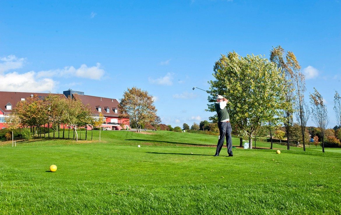 Golf-reizen-Golf-Expedition-België-Regio-Luik-Golf-&-country-hotel-Clervaux-golf-course-hole-2