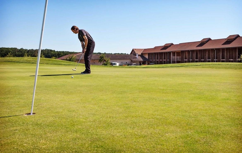 Golf-reizen-Golf-Expedition-frankrijk-Regio-Aquitaine-Chateau-des-Vigiers-golf-course-hole-2