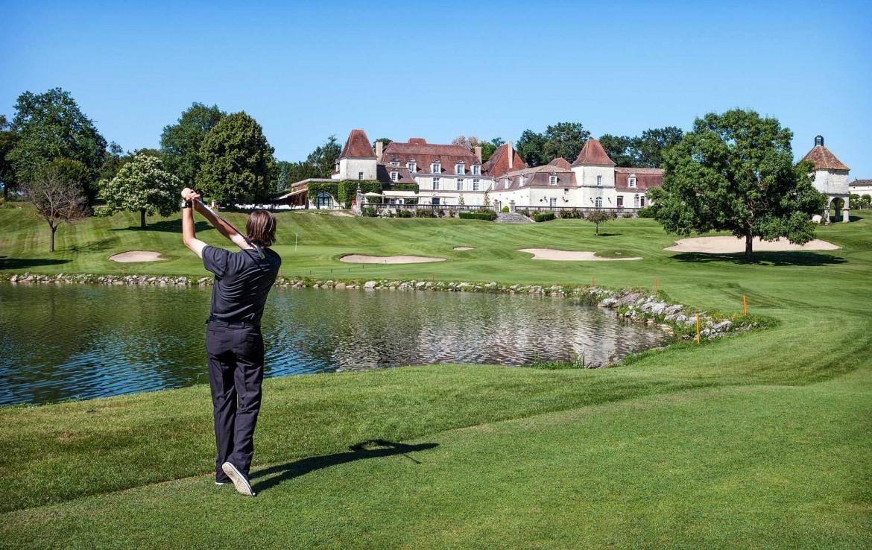 Golf-reizen-Golf-Expedition-frankrijk-Regio-Aquitaine-Chateau-des-Vigiers-golf-course-hole-3
