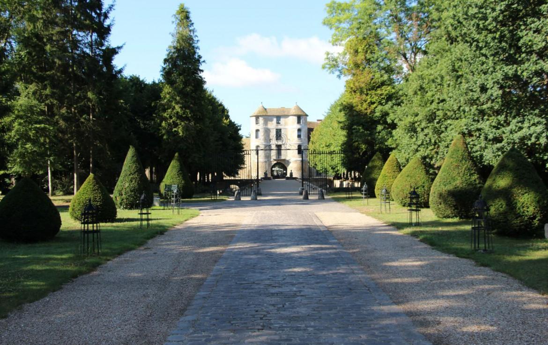 Golf-reizen-frankrijk-regio-parijs-Chateau-de-Villiers-le-Mahieu-entree-golf-expedition