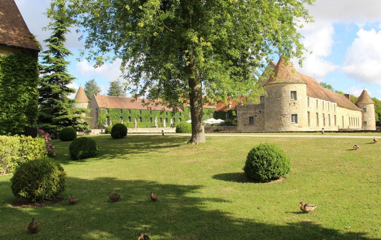 Golf-reizen-frankrijk-regio-parijs-Chateau-de-Villiers-le-Mahieu-luxe-resort-prachtige-omgeving-golf-expedition