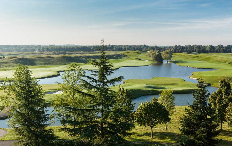Golf-reizen-frankrijk-regio-parijs-Novotel-Saint-Quentin-Golf-National-overzicht-van-golfbaan-golf-expedition