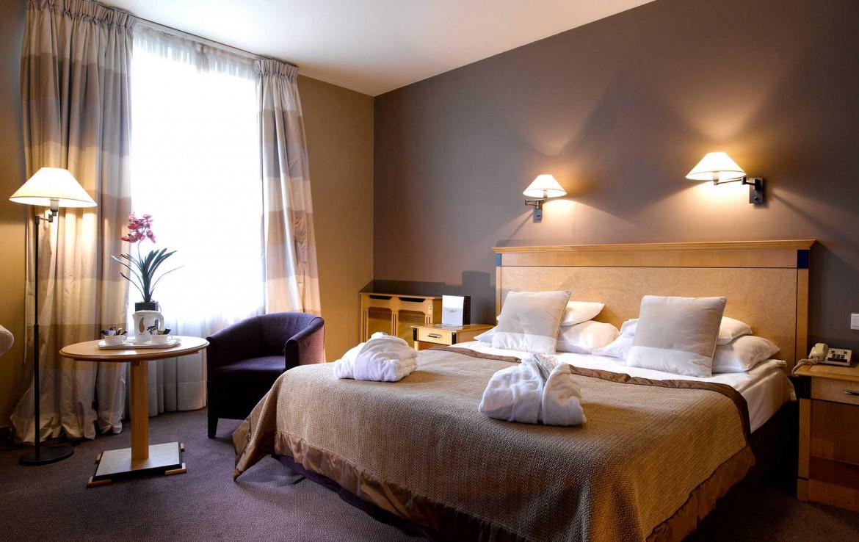 Golfexpedition-Golfreizen-België-Brussel-Grand-Hotel-Waterloo-course-gordijn-grijs