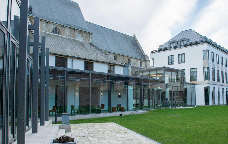 Golfexpedition-Golfreizen-België-Brussel-Klooster-Leuven-course-Glazen-Buitenkant