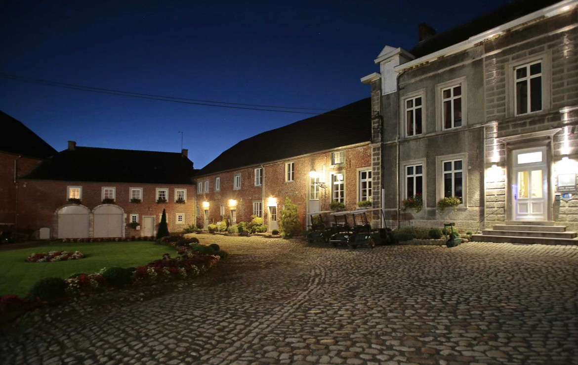 Golfexpedition-Golfreizen-België-Brussel-Pierpont-courtyard-by-night