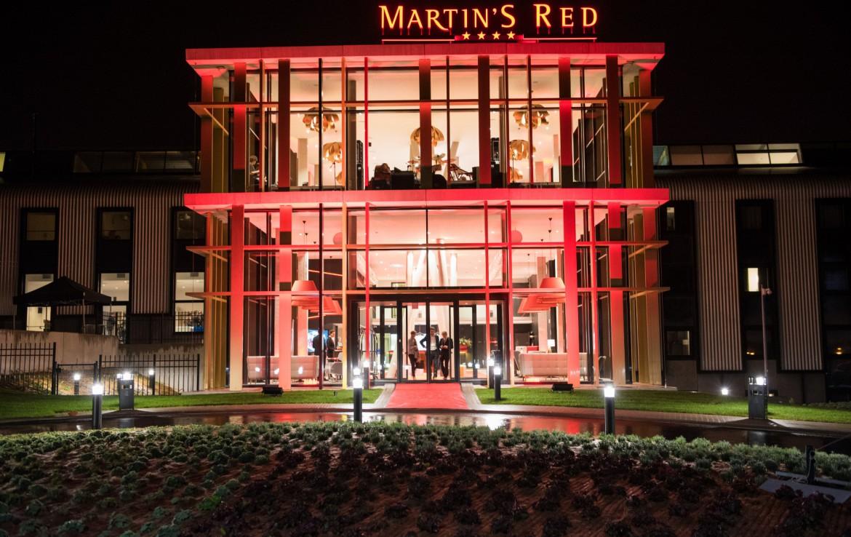 Golfexpedition-Golfreizen-België-Brussel-Red-course-donker-gebouw