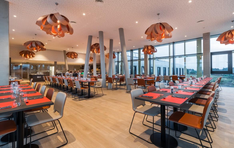 Golfexpedition-Golfreizen-België-Brussel-Red-course-oranje-eet-ruimte