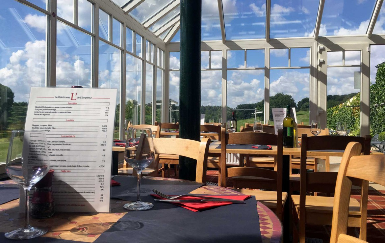 Golfexpedition-Golfreizen-België-Brussel-Relais-de-l-Empereur-course-glassen-ruimte