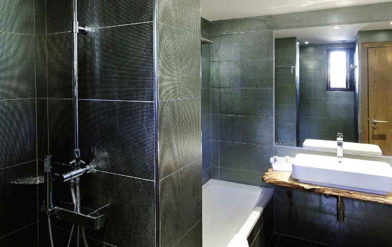 golf-expedition-golf-reis-Frankrijk-hotel-mercure-barbaroux-golf-en-spa-badkamer.jpg