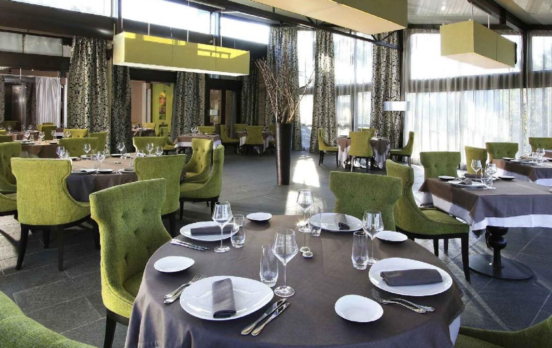 golf-expedition-golf-reis-Frankrijk-hotel-mercure-barbaroux-golf-en-spa-diner-tafel.jpg