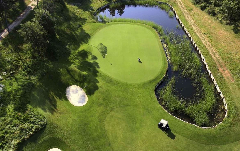 golf-expedition-golf-reis-Frankrijk-hotel-mercure-barbaroux-golf-en-spa-drone-golfbaan.jpg