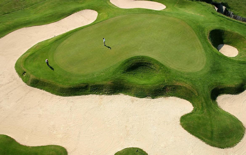 golf-expedition-golf-reis-Frankrijk-hotel-mercure-barbaroux-golf-en-spa-golfbaan-bunker.jpg