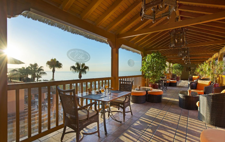 golf-expedition-golf-reis-Spanje-Regio-malaga-Elba-Estepona-Gran-Hotel-Thalasso-Spa-terras-eetplek-lounge