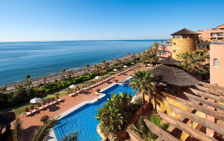 golf-expedition-golf-reis-Spanje-Regio-malaga-Elba-Estepona-Gran-Hotel-Thalasso-Spa-zwembad-strand-zee-uitzicht