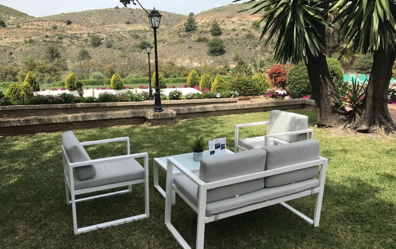 golf-expedition-golf-reis-spanje-Regio-Malaga-Alhaurin-Golf-Resort-bergen-stoelen