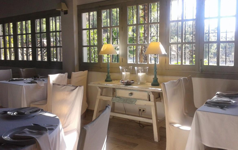 golf-expedition-golf-reis-spanje-Regio-Malaga-Alhaurin-Golf-Resort-dineren-ontbijtzaal-bestek