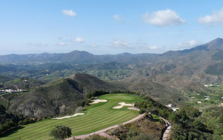 golf-expedition-golf-reis-spanje-Regio-Malaga-Alhaurin-Golf-Resort-golfbaan-berg-hoog-groot