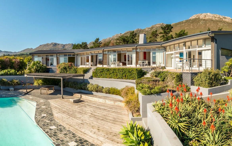 golf-expedition-golf-reis-zuid-afrika-colourful-manor-overzicht-resort-met-zwembad.jpg