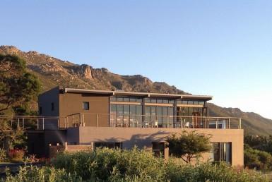golf-expedition-golf-reis-zuid-afrika-golf-en-gastronomie-hoofdgebouw.jpg