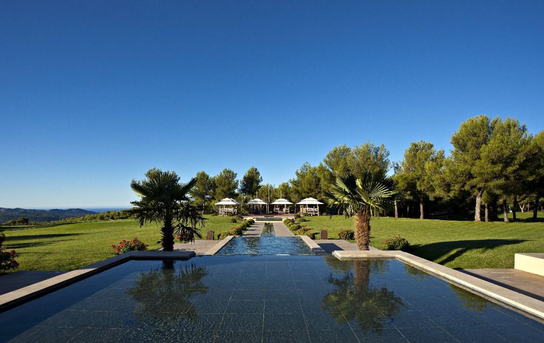 golf-expedition-golf-reizen-Frankerijk-regio- Provence-Hotel-du- Castellet-golfbaan-water-bomen-tuin