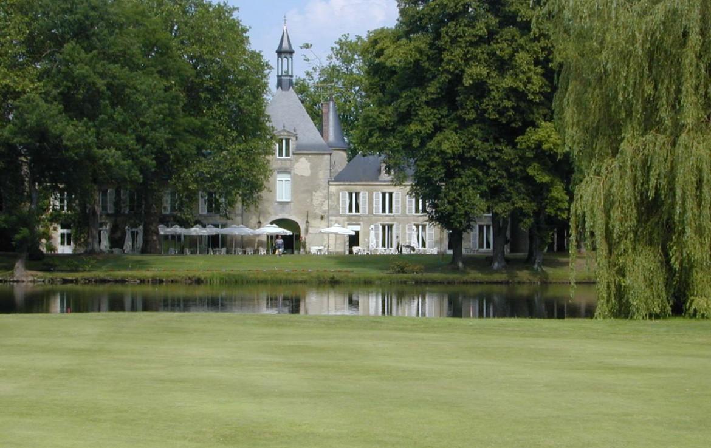 golf-expedition-golf-reizen-Frankerijk-regio- champagne-Hotel-de-la-paix-golfbaan-bos-hotel-water
