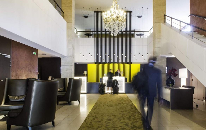 golf-expedition-golf-reizen-Frankerijk-regio- champagne-Hotel-de-la-paix-lobby-groen