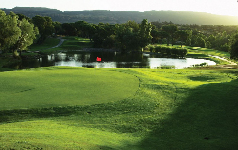 golf-expedition-golf-reizen-frank-regio-cote-d'azur-chateau-des-demoiselles-golfbaan-water-hazard.jpg