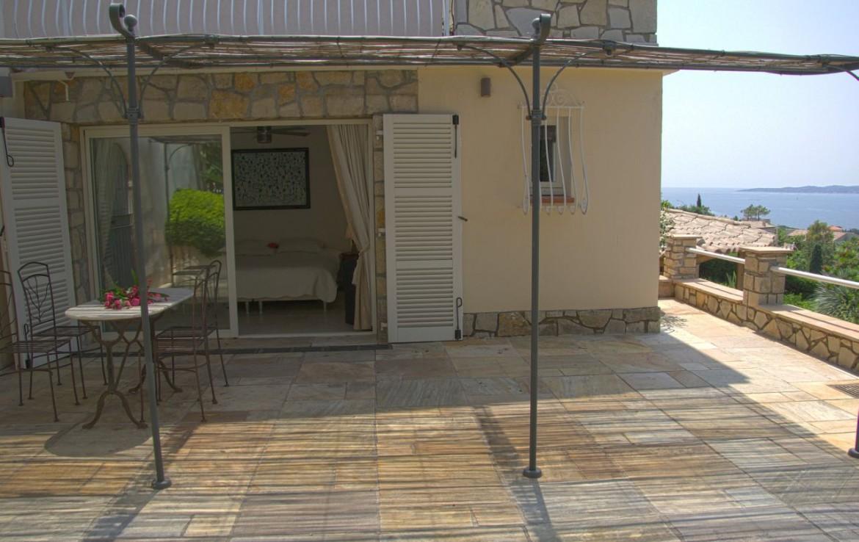 golf-expedition-golf-reizen-frank-regio-cote-d'azur-villa-la-brunhyere-appartement-met-balkon.jpg