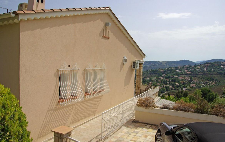 golf-expedition-golf-reizen-frank-regio-cote-d'azur-villa-la-brunhyere-appartement-uitzicht-omgeving.jpg