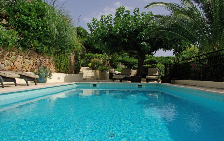 golf-expedition-golf-reizen-frank-regio-cote-d'azur-villa-la-brunhyere-villa-met-zwembad.jpg