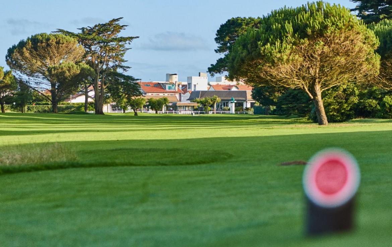 golf-expedition-golf-reizen-frankrijk-regio-aquitaine-biarritz-chateau-du-clair-lune-golfbaan-resort-bomen.jpg
