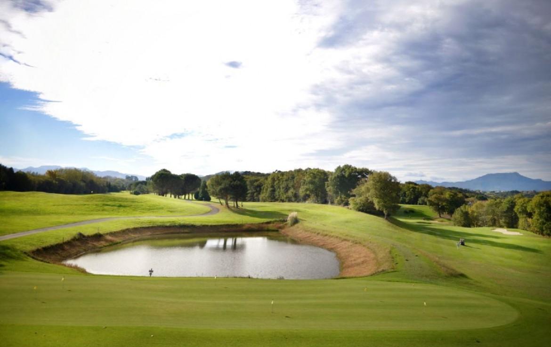 golf-expedition-golf-reizen-frankrijk-regio-aquitaine-biarritz-chateau-du-clair-lune-overzicht-golfbaan.jpg