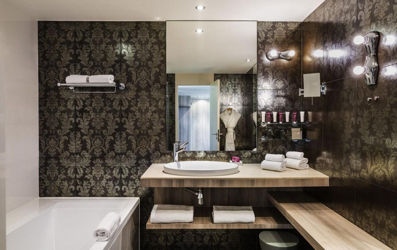 golf-expedition-golf-reizen-frankrijk-regio-aquitaine-bodreaux-golf-du-medoc-hotel-en-spa-stijlvolle-badkamer.jpg