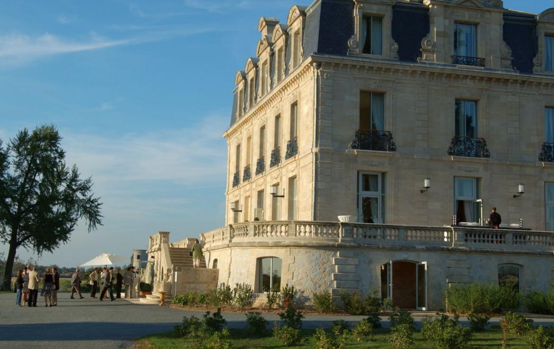 golf-expedition-golf-reizen-frankrijk-regio-aquitaine--bordeaux-chateau-grattequina-entree-villa.jpg