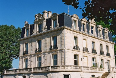golf-expedition-golf-reizen-frankrijk-regio-aquitaine--bordeaux-chateau-grattequina-luxe-villa.jpg