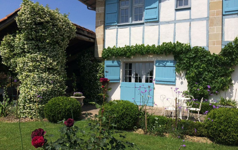 golf-expedition-golf-reizen-frankrijk-regio-biarritz-les-voles-blue-appartement-twee-verdiepingen-tuin-met-terras.jpg