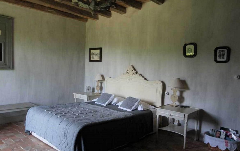 golf-expedition-golf-reizen-frankrijk-regio-biarritz-les-voles-blue-gerenoveerde-slaapkamer-twee-personen-prachtig-plafond.jpg
