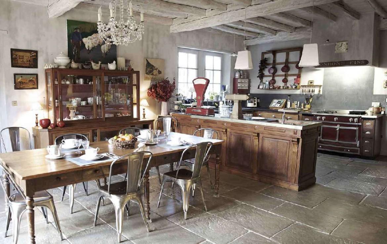 golf-expedition-golf-reizen-frankrijk-regio-biarritz-les-voles-blue-stijlvol-ingerichte-keuken-met-eettafel.jpg
