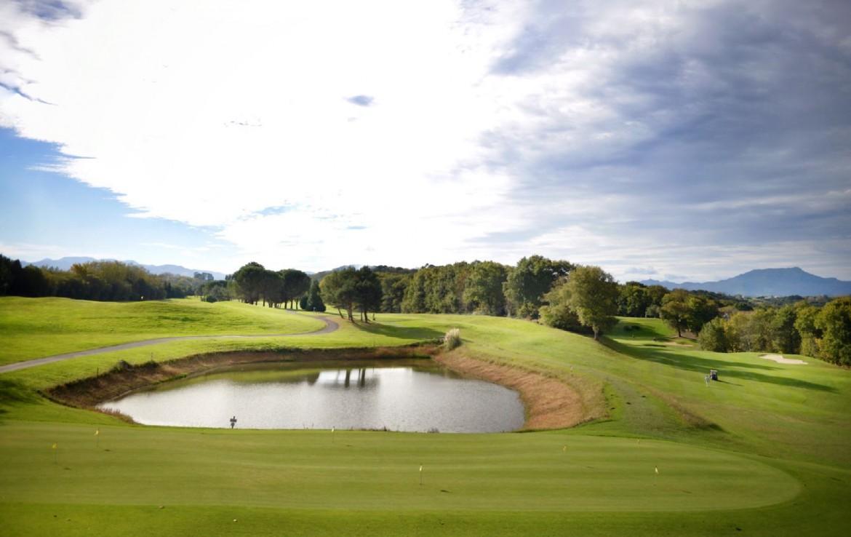 golf-expedition-golf-reizen-frankrijk-regio-biarritz-villa-clara-golfbaan-water-hazard.jpg