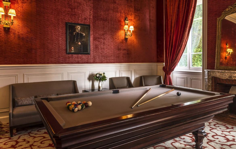 golf-expedition-golf-reizen-frankrijk-regio-bougogne-hotel-de-la-poste-poolen-luxe