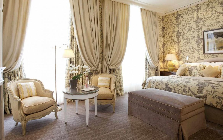 golf-expedition-golf-reizen-frankrijk-regio-champagne-domaines-les-crayeres-klassiek-ingerichte-slaapkamer