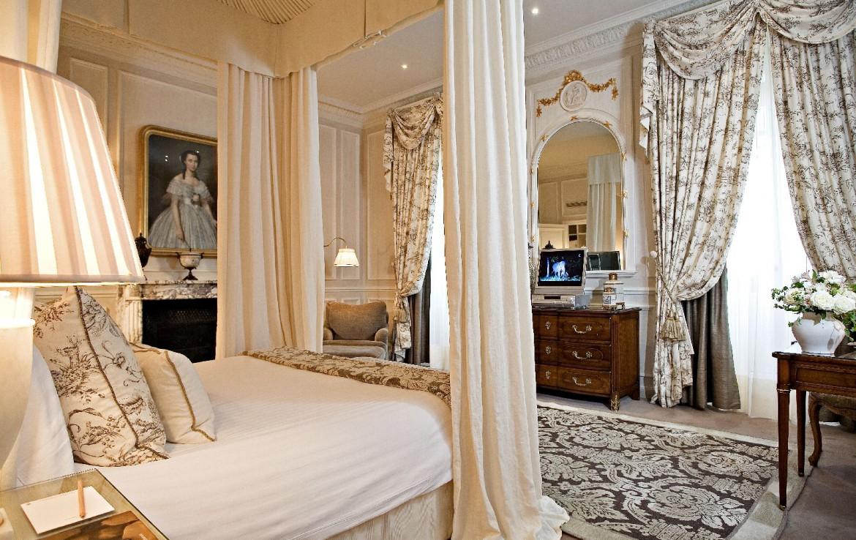 golf-expedition-golf-reizen-frankrijk-regio-champagne-domaines-les-crayeres-klassieke-slaapkamer.jpg