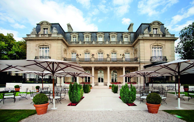 golf-expedition-golf-reizen-frankrijk-regio-champagne-domaines-les-crayeres-voorkant-terras-luxe-vila